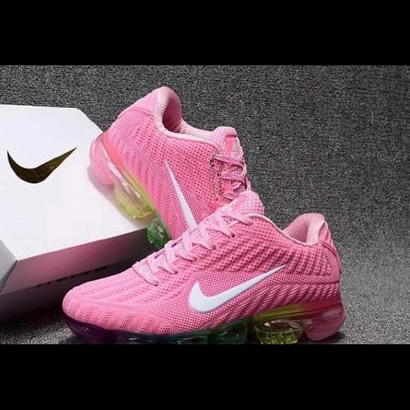 timeless design 32041 484aa Women's Nike Vapormax Flyknit NWT